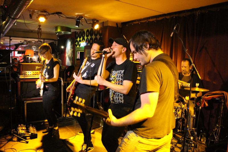 Mehr Bands wie Kuablla bitte