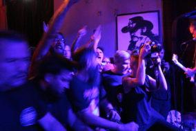 Publikum rastet beim Spermbirds-Konzert aus