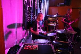 Schlagzeuger und Gitarrist von Unbite