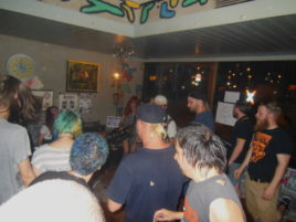 Publikum im Bierkrug