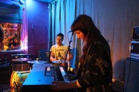 Organistin und Drummer von Krime