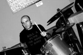 Der Schlagzeuger von Defect
