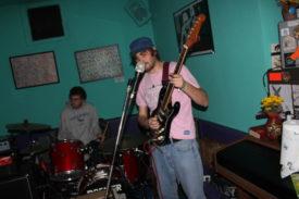 Sänger und Drummer - noch gesittet