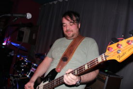 Bassist Eddie stammt aus Bradford