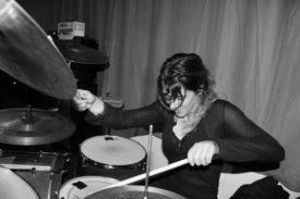 Powder for Pigeons-Schlagzeugerin