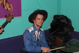 Drummer mit Cowboyhut - wäre der Spitzname Billy the Kid zu frech?