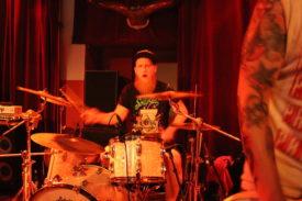 Wir vergessen nicht ie wichtigste Person: den Schlagzeuger