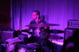 Vernünftige Bilder von Drummern sind weiter ein Problem