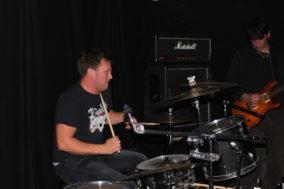 Warum nicht mit dem Higgins-Schlagzeuger anfangen?