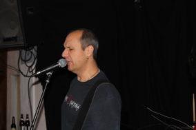 Der Higgins-Bassist