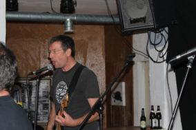 Higgins-Gitarrist Nummer 1