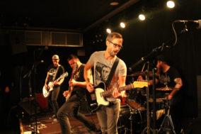 Gitarrist Peter von Neat Mentals