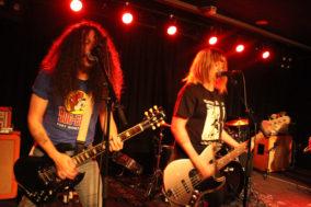 Gitarrist und Bassisten der Clowns