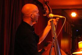 Die Band setzt auf akustische Instrumente