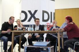 Die Diskussionsrunde: Prothmann, Elaine, Peter, Elsässer, Kupfer, Nadja (v. links)