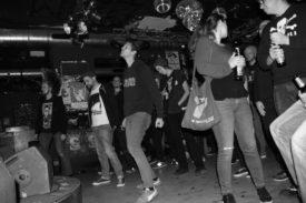 Das Publikum tanzt