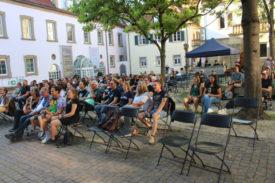 Das Publikum beim Auftritt von Quick Dip im Deutschhof am 04.09.2021
