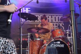 Der Schlagzeuger von Neighbourhood Creeps